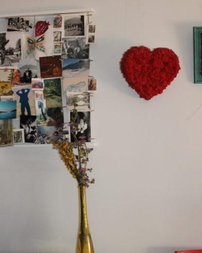 corazon con jarrón